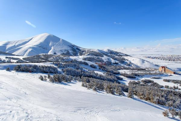 Palandoken Erzurum Turkey Mountain skiing and snowboarding2
