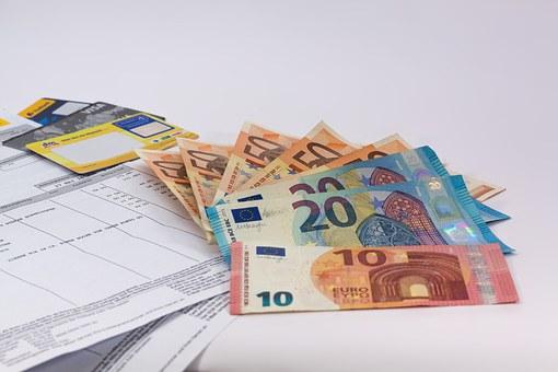 money 1439125 340