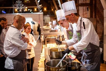 Self Cooking Center Zamek Topacz fotografie Grzegorz Golebiowski 058