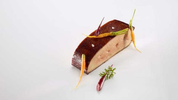 Foie grass asado a la parrilla zanahorias y makilgoxo