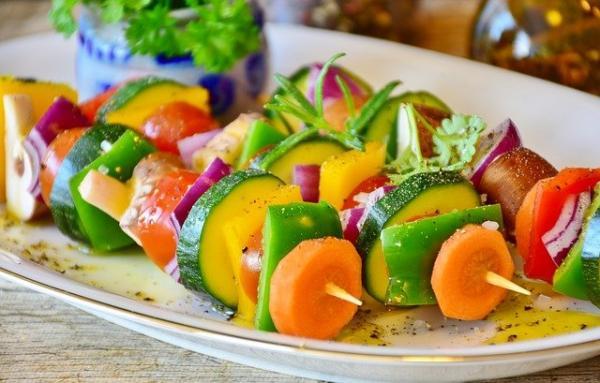 vegetable skewer 3317060 640